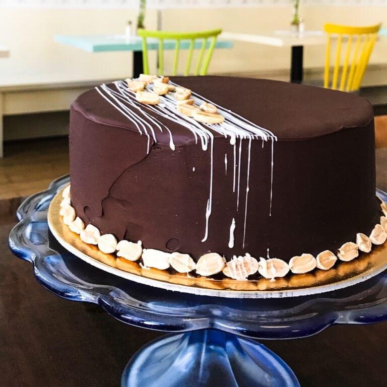 Bezé kávový dort s čokoládou